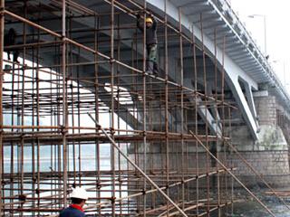 橋梁維修加固